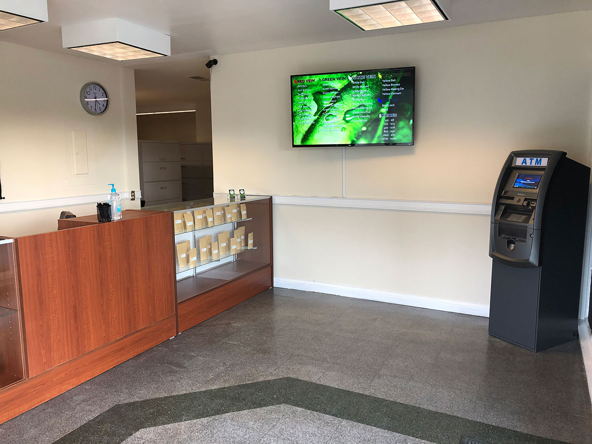 Miracle Kratom Store Bellevue Kentucky near Cincinnati 5
